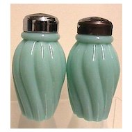 Glass Salt and Pepper Shaker Set Fenton American Glass
