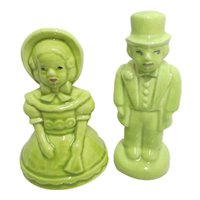 Salt and Pepper Shakers Set of Colonial Couple