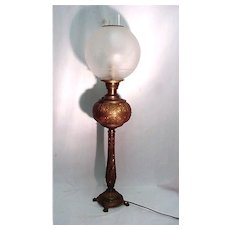 Antique Table Light Banquet Lamp in Brass with Frosted and Etched Globe Table Lamp
