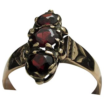Victorian Garnet and Gold Antique Ring Size 6 1/2