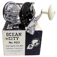 Fishing Reel MINT in Box Made By Ocean City