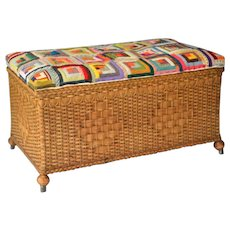 Heywood Wakefield Victorian Wicker trunk in great original finish and condition