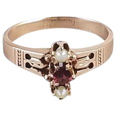 Antique Victorian 10k rose gold garnet and seed pearl ring, size 6-3/4