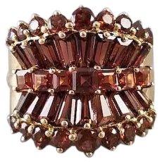 Modern estate 10k gold sculptural concave fan shaped garnet tapered baguettes, square princess cut statement ring, size 5