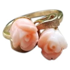 Vintage estate mid century 10k gold two carved pale peach blush coral bypass style ring, size 6-1/2