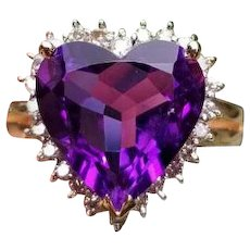 Modern estate 14k gold 4.50 carat heart shaped Siberian amethyst .24 carat diamond halo cocktail ring, size 8