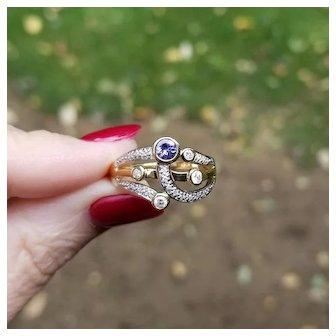 Modern estate 14K gold three band tanzanite and 22 diamond harem ring, statement ring, stacking ring, cocktail ring, size 8