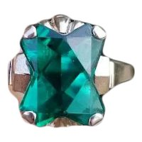 Vintage mid century Retro Moderne 10k white gold fancy cut emerald green synthetic spinel statement ring, size 8-1/4, Helm & Hahn Company
