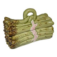 Majolica Asparagus Serving Dish by Bordallo Pinheiro.