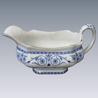 "Burgess & Leigh, Middleport Pottery, Burslem, ""Leighton"" Blue Transferware Gravy Boat, circa 1899-1912"