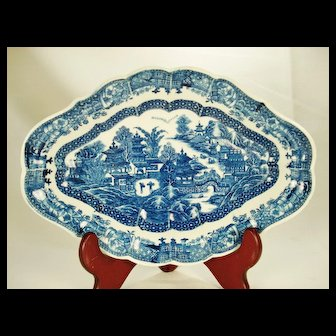 Caughley English Porcelain Dessert Dish 1780's-1790