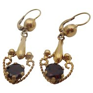 18kt Garnet drop earrings