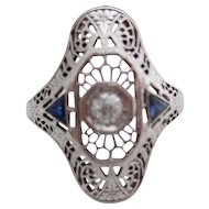 Ladies 18 kt Art Deco diamond and sapphire ring