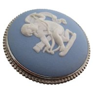 Ladies antique sterling and Wedgewood pin/brooch.