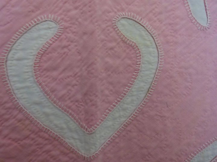 Vintage applique quilt hawaiian style pink and white cow
