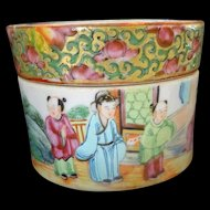 Chinese Famille Rose~ Rose Canton Antique  round Box with Lid