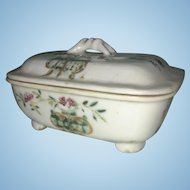 Antique Chinese Qianlong Marked Footed Porcelain Soap Box W Lid