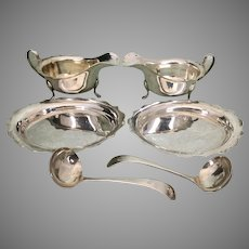 E. Viner Sheffield English Sterling Silver Gravy Sauce Boats W Under Plates Ladles