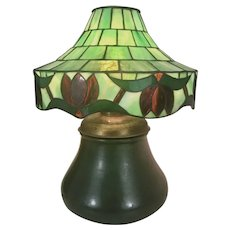 Arts & Crafts Mission Prairie Style Hampshire Pottery Lamp W Stained Glass Shade Matte Green