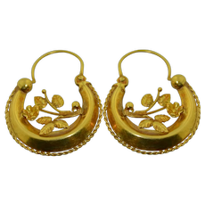 Victorian 18K Yellow Gold Floral Hoop Earrings