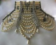 Vintage Jewelry Too