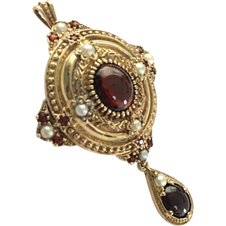 Superb Grand period style 9ct gold garnet and pearl pendant brooch pin