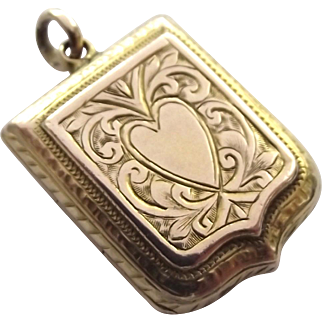 Gorgeous antique 9ct gold small size locket with love heart decoration