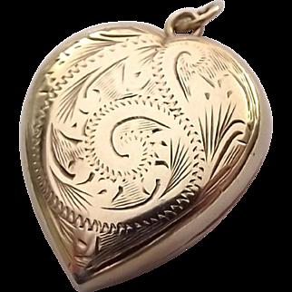 Vintage English 9ct gold puffy love heart locket