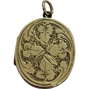 Georgian gold cased oval pendant locket