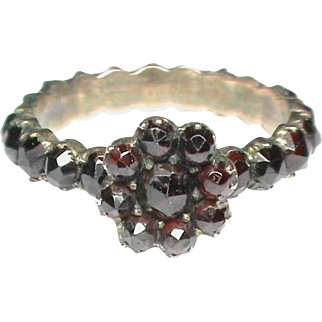 Antique Victorian Bohemian Garnet Daisy Ring