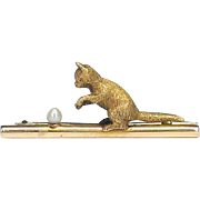 Antique Victorian c1900 15k Gold Cat playing with seed pearl ball Brooch in Box