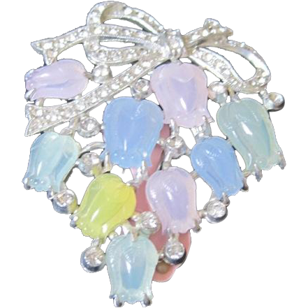 Unsigned rhinestone and carved tulip pastel flowers fur clip