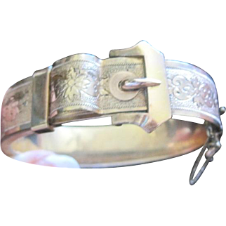 Victorian gold filled etched hollow hinged bangle bracelet with buckle design
