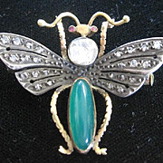 Victorian 15k yellow gold wasp pin set with .80tw diamonds wings chrysoberyl body