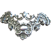 Fine William Kerr Art Nouveau collar pin made of 925 sterling signed with angel faces