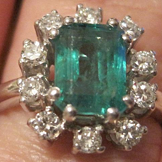 Outstanding 1950's ladies' 14k white gold 1.35 emerald AAA  0.50tw brilliant cut diamonds G-H VS1
