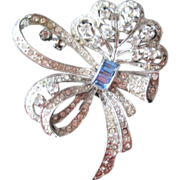 Vintage costume jewelry Classic Rhinestone Bow Pin