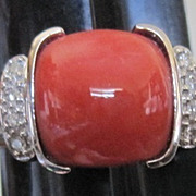 Ladies 14k white gold diamond and South Sea Coral ring