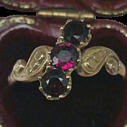Ladies 10K Gold Band Ring w Genuine Garnets, late 1800s