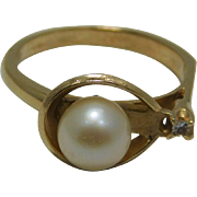10K YELLOW  Gold Diamond and Cultured Pearl Ladies Ring