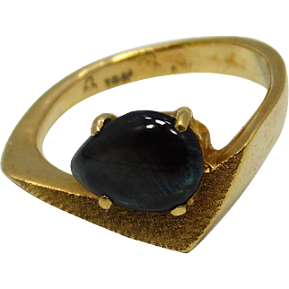 14K Yellow Gold And Black  Saphire Ring