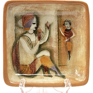 Pillin Pottery Tray, Brown Woman Sitting Square Tray