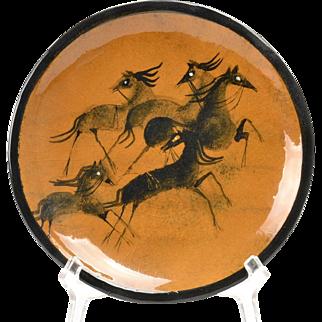 Pillin Pottery Tray, 5 Horses Orange Brown Tray