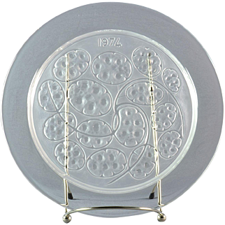 """Lalique Crystal Annual Plate, 1974 Sous d'Argent """"Silver Pennies"""" Annual Plate"""