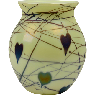 Fenton Glass Vase, 1976 Custard Hanging Hearts Vase