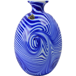 Fenton Glass Vase, 1975 Labyrinth Cobalt White Swirls Vase Dave Fetty 125/700