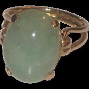 Lovely Vintage Celadon Jade & 14k Gold Ring