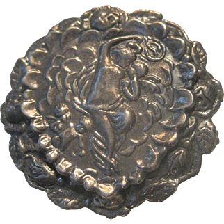 Unusual Vintage Sterling Silver Lady Nymph & Cherubs Repousse Brooch