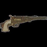 Vintage Western Cowboy Gun Pistol Pearl Handle Revolver Tie Clip
