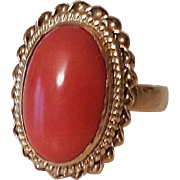 Beautiful Vintage 14k Yellow Gold Salmon Coral Ring size 7 1/2